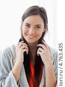 Купить «Портрет красивой молодой девушки с наушниками на шее», фото № 4763435, снято 23 ноября 2011 г. (c) Wavebreak Media / Фотобанк Лори
