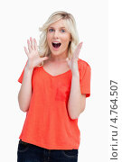 Купить «Портрет удивленной молодой женщины», фото № 4764507, снято 11 ноября 2011 г. (c) Wavebreak Media / Фотобанк Лори