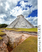 Пирамида Кукулькан в Чичен-Ица на Юкатане, Мексика, фото № 4773875, снято 1 февраля 2010 г. (c) Куликов Константин / Фотобанк Лори