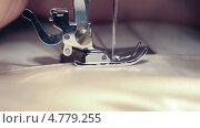 Швейная машина. Стоковое видео, видеограф Пётр Квашин / Фотобанк Лори