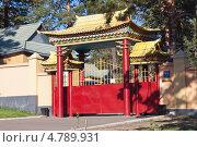 Купить «Западные ворота Читинского дацана», эксклюзивное фото № 4789931, снято 11 июня 2013 г. (c) Lora / Фотобанк Лори