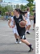 Купить «Уличный баскетбол», фото № 4804743, снято 29 июня 2013 г. (c) Землянникова Вероника / Фотобанк Лори