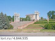 Купить «Волгоград. Центральная набережная», эксклюзивное фото № 4844935, снято 7 июля 2013 г. (c) Андрей Ижаковский / Фотобанк Лори