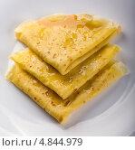 Купить «Блины с медом», фото № 4844979, снято 28 июня 2011 г. (c) Никончук Алексей / Фотобанк Лори