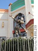 Купить «Микки Маус», фото № 4850219, снято 6 мая 2013 г. (c) Носов Руслан / Фотобанк Лори