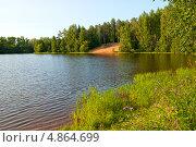 Купить «Бокситогорск. Озеро Павловское», эксклюзивное фото № 4864699, снято 12 июля 2013 г. (c) Румянцева Наталия / Фотобанк Лори