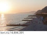 Закат на пляже в Дедеркое (2013 год). Редакционное фото, фотограф Николай Мухорин / Фотобанк Лори