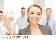 Купить «Лидер успешной бизнес команды», фото № 4901911, снято 26 мая 2020 г. (c) Syda Productions / Фотобанк Лори