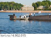 Купить «Экипаж прибыл на подводную лодку», эксклюзивное фото № 4902015, снято 27 июля 2013 г. (c) Александр Щепин / Фотобанк Лори