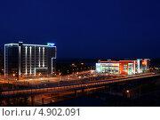 Ночной город. Бизнес-центр Premier Building. Редакционное фото, фотограф Виктор Шилин / Фотобанк Лори