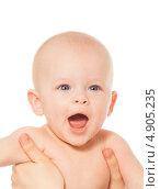 Купить «Малыш зевает», фото № 4905235, снято 29 марта 2013 г. (c) Сергей Новиков / Фотобанк Лори