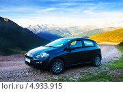 Купить «Черный автомобиль на фоне Пиренейских гор, Испания», эксклюзивное фото № 4933915, снято 3 июля 2013 г. (c) Яков Филимонов / Фотобанк Лори
