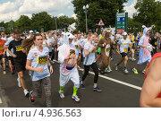 """Купить «Участники массового забега """"Adidas energy run"""" на спортивном фестивале """"Moscow City Games 2013""""», фото № 4936563, снято 13 июля 2013 г. (c) Pukhov K / Фотобанк Лори"""