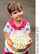 Купить «Ребенок с тортом», фото № 4937271, снято 16 июля 2013 г. (c) WalDeMarus / Фотобанк Лори
