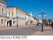 Купить «Казанская улица в городе Елабуге», эксклюзивное фото № 4942375, снято 19 мая 2013 г. (c) Андрей Ижаковский / Фотобанк Лори
