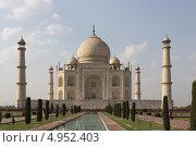 Купить «Тадж Махал - известный исторический памятник. Агра, Индия», фото № 4952403, снято 23 апреля 2013 г. (c) Александр Давыдов / Фотобанк Лори