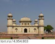 Купить «Гробница Itmad-Ud-Daulah's в Агре, Индия», фото № 4954803, снято 23 апреля 2013 г. (c) Александр Давыдов / Фотобанк Лори