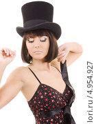 Купить «Роковая брюнетка с каре в черной шляпе», фото № 4954927, снято 25 октября 2008 г. (c) Syda Productions / Фотобанк Лори