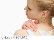 Купить «Молодая женщина массирует себе шею», фото № 4961615, снято 5 апреля 2012 г. (c) Wavebreak Media / Фотобанк Лори