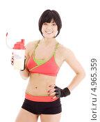 Купить «Фитнес инструктор с протеиновым коктейлем», фото № 4965359, снято 29 ноября 2008 г. (c) Syda Productions / Фотобанк Лори