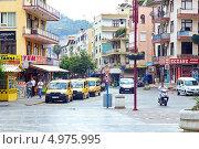 Проезжая часть в Аланьи, Турция (2013 год). Редакционное фото, фотограф Лепихин Денис / Фотобанк Лори
