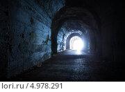 Купить «Голубой светящийся выход из темного заброшенного туннеля», фото № 4978291, снято 28 июня 2013 г. (c) EugeneSergeev / Фотобанк Лори