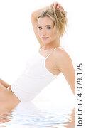 Купить «Красивая молодая женщина в белом скромном белье», фото № 4979175, снято 25 мая 2019 г. (c) Syda Productions / Фотобанк Лори