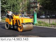 Москва, укладка асфальтового покрытия (2013 год). Редакционное фото, фотограф Дмитрий Неумоин / Фотобанк Лори