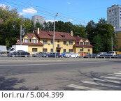 Купить «Улица Стромынка, 9, Москва», эксклюзивное фото № 5004399, снято 20 августа 2013 г. (c) lana1501 / Фотобанк Лори