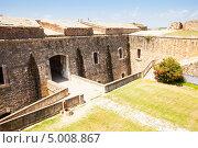 Купить «Заброшенный замок в Фигерасе, Каталония», фото № 5008867, снято 2 июля 2013 г. (c) Яков Филимонов / Фотобанк Лори