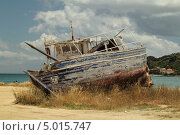 Купить «Старые лодки на берегу (Закинтос, Греция)», фото № 5015747, снято 2 июня 2013 г. (c) Хименков Николай / Фотобанк Лори