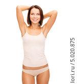 Купить «Стройная красивая девушка в скромном белье», фото № 5020875, снято 25 июля 2013 г. (c) Syda Productions / Фотобанк Лори