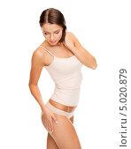 Купить «Стройная красивая девушка в скромном белье», фото № 5020879, снято 25 июля 2013 г. (c) Syda Productions / Фотобанк Лори