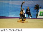 Гимнастка с мячом (2013 год). Редакционное фото, фотограф Анатолий Дьяков / Фотобанк Лори