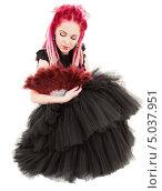 Купить «Красивая девушка с розовыми дредами в готическом платье», фото № 5037951, снято 15 ноября 2008 г. (c) Syda Productions / Фотобанк Лори