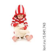 Купить «Очаровательная маленькая девочка в полосатой шерстяной кофточке», фото № 5041743, снято 20 июня 2009 г. (c) Syda Productions / Фотобанк Лори