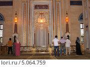 Купить «На выставке реликвий пророка Магомеда», фото № 5064759, снято 21 июля 2013 г. (c) Jon Maldini / Фотобанк Лори