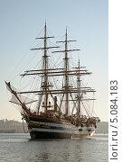 Купить «Трехпалубный фрегат - утро», фото № 5084183, снято 25 августа 2011 г. (c) Дмитрий Лукин / Фотобанк Лори