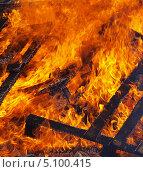 Купить «Огонь - горящее дерево», фото № 5100415, снято 29 сентября 2013 г. (c) SevenOne / Фотобанк Лори