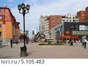 Купить «Екатеринбург, пешеходная улица Вайнера», эксклюзивное фото № 5105483, снято 9 июля 2013 г. (c) Алексей Гусев / Фотобанк Лори