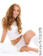 Купить «Красивая девушка в белом с распущенными волосами», фото № 5112379, снято 2 августа 2008 г. (c) Syda Productions / Фотобанк Лори