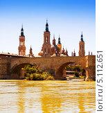 Купить «Вид на город Сарагоса в солнечный день, Испания», фото № 5112651, снято 4 июля 2013 г. (c) Яков Филимонов / Фотобанк Лори