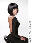 Купить «Элегантном платье с открытой спиной», фото № 5113539, снято 30 сентября 2013 г. (c) Photobeauty / Фотобанк Лори