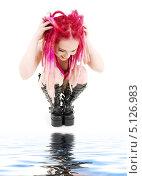Купить «Девушка с розовыми дредами и белой кожей», фото № 5126983, снято 15 ноября 2008 г. (c) Syda Productions / Фотобанк Лори