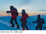 Купить «Зимнее восхождение на Эльбрус», фото № 5136327, снято 25 февраля 2011 г. (c) Виктор Затолокин/Victor Zatolokin / Фотобанк Лори