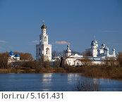 Купить «Юрьев монастырь», фото № 5161431, снято 2 мая 2013 г. (c) Алексей Кокоулин / Фотобанк Лори