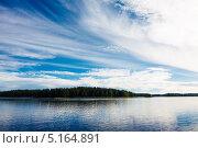 Озеро в солнечный день. Финляндия (2013 год). Стоковое фото, фотограф Антон Журавков / Фотобанк Лори