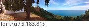 Купить «Панорамный пейзаж морского берега», фото № 5183815, снято 7 октября 2013 г. (c) Андрей Лавренов / Фотобанк Лори