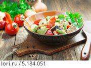 Купить «Тушеные овощи с мясом, Гювеч», фото № 5184051, снято 18 октября 2013 г. (c) Надежда Мишкова / Фотобанк Лори