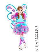 Купить «Симпатичная рыжеволосая девочка в наряде феи с крылышками», фото № 5222947, снято 22 мая 2013 г. (c) Сергей Сухоруков / Фотобанк Лори